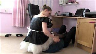 under maid's skirt