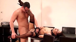 Pretty Rachel Evans Blows Her Boss