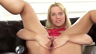 Sexy Czech Teenie Stretches Her Yummy Snatch To The Extreme