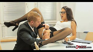 Brunette Babe with Glasses getting Dick during Office Hours