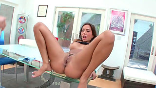 Oiled up ass of Lela Star is extra tasty