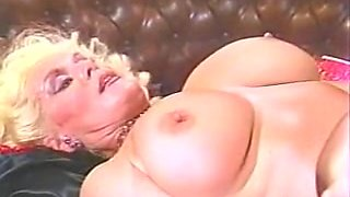 Incredible facial classic clip with Helga Sven and Kari Foxx