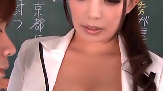 Horny teacher Mako Oda pleases her students