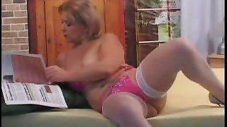 Mature Plumper Rubbing Her Clit