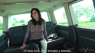 Mature brunette MILF fucked in a car and swallows a cum shot