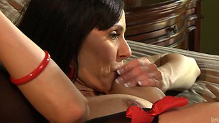 Rough sex with the smoking hot mommy Kendra Lust