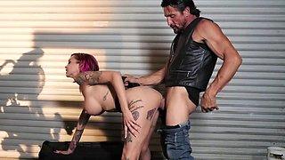 Tommy Gunn fucks amazing pornstar after lesbian scene