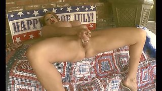 Kelly Madison is a true American girl who loves to masturbate
