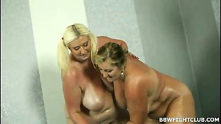 Fat nude women wrestling