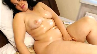 Cam girls thick chubby oiled up milf just lounging