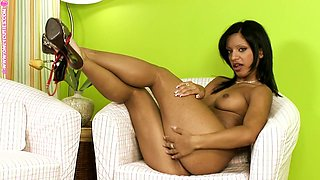 Exotic honey is in a hot and gentle solo action