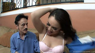 Scrawny dude surprises Kristina Rose with his massive aggressive dick