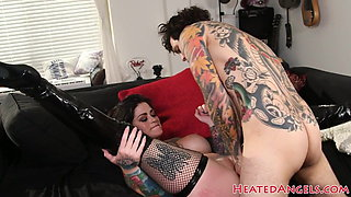 Attractive alt beauty fucked in doggystyle