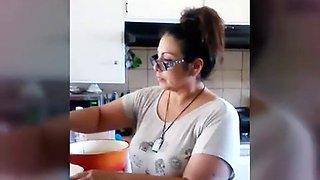 Thick booty milf in the kitchen (voyeur)
