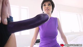 Gorgeous Eden Aria and Olivia Lua having fun with dildo