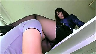 Elegant Oriental babe in pantyhose works her magic on a cock