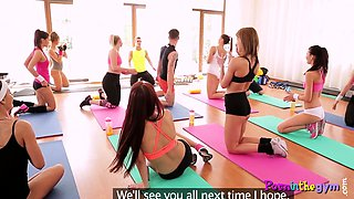 Gym babe fucking instructor after class