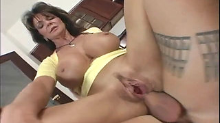 Big boobs milf Deauxma anal