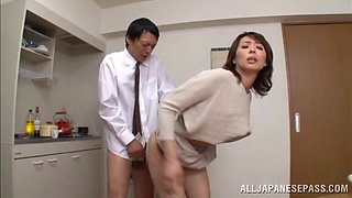 Lustful asian mature chick Hisae Yabe enjoys quick sex in the kitchen