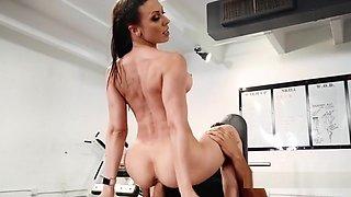 Huge Tits Gf Cheating Bf At The Gym