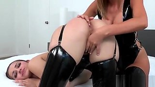 Sexy Lesbo Fun Full Of Horny Models With Rocking Bodies