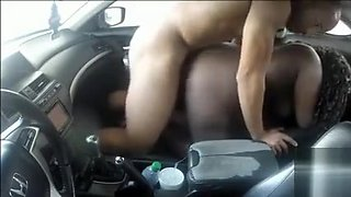 Chubby black mommy jumps on her friend's cock in the car