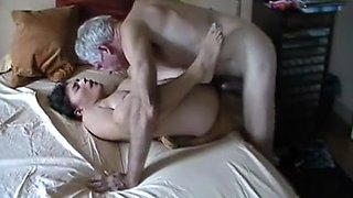 Amateur young wife fucks husbands boss