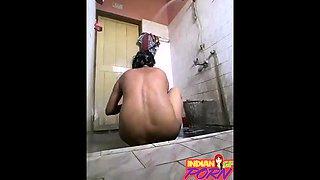 Indian Girlfriend Filmed Secretly Taking Shower