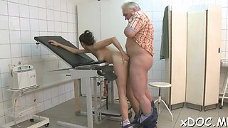 Aphrodisiac hottie petra attacks pipe with mouth