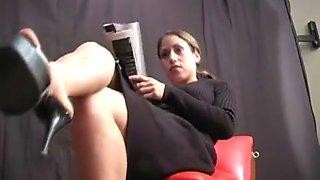 Worshipping Mistress Aie's Feet - Femdom