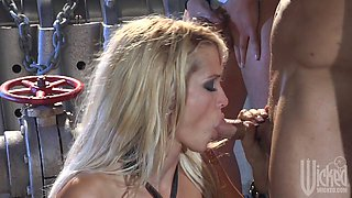 Beautiful gangbang of Jessica Drake by three dudes