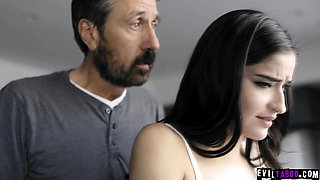 Whaaaam! This is some serious Dad vs Daughter spanking!