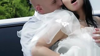 Dirty bride takes her chauffeur's cock before her wedding