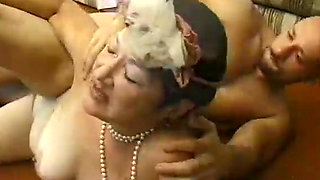 Ugly granny in pearl necklace gets her snatch pounded hard