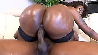 Super Thick Black Cougar gets some dick