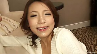 Hot jizz splatters all over Kanako\'s face and down her chin