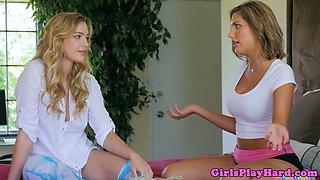 Glamour lesbians pussylick before sixtynining