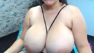 Big Natural Latina