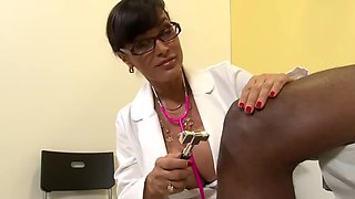 Lisa ann doctor milf
