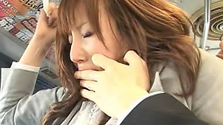 Honami is going home on the bus after work