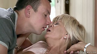 Mature slut Diane Sheperd gets fed with cum after a steamy fuck