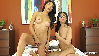 Two amazing Asian girls Ayumi Anime and Jade Kush eating each other out