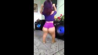 Sexy midget dancing