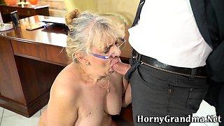 Old secretary rims boss
