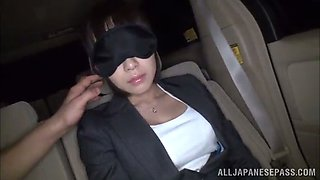 backseat masturbation for a blindfolded asian babe