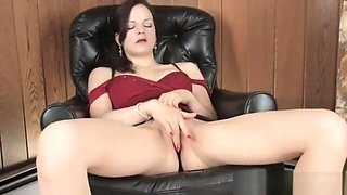 Horny MILF plays with her pussy