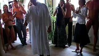 Wedding celebration turns into an orgy with awesome Sarah Twain