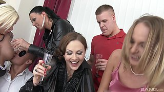 Orgy with Simony Diamond and other cock-famished sexy babes