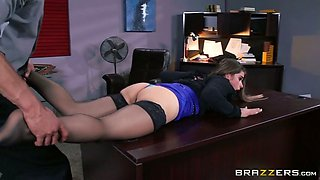 Kinky boss fucks bootyful and juggy secretary on the table