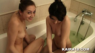 Horny Lesbians In The Bath